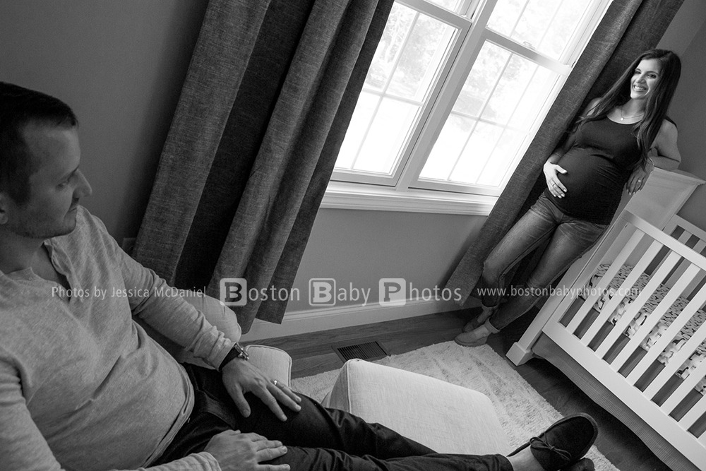 Wilmington, MA Maternity Photographer: A maternity minishoot at home? Sounds fun!
