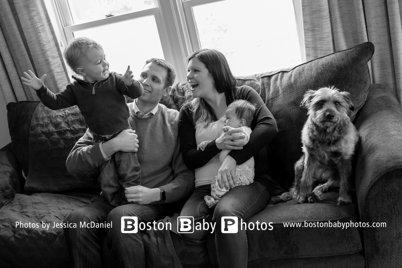 Mansfield, MA Lifestyle Newborn Family Photoshoot