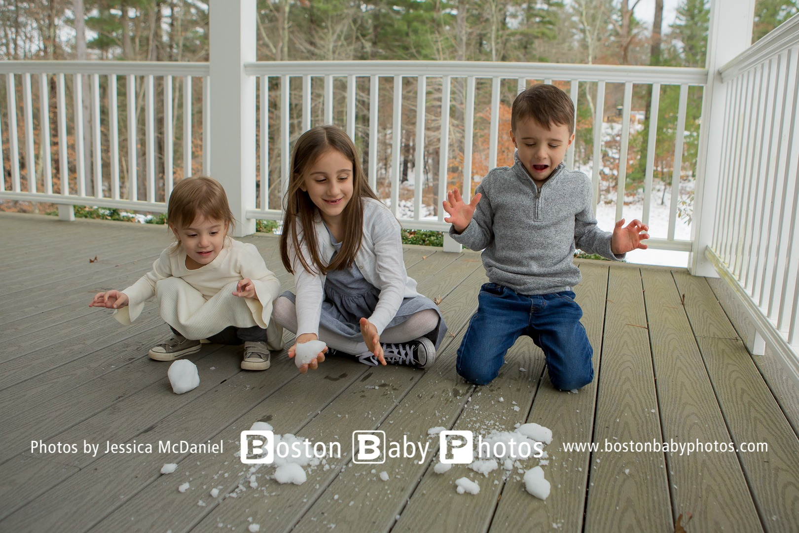 Boxford, MA: Three kiddos get cozy and a bit of snow